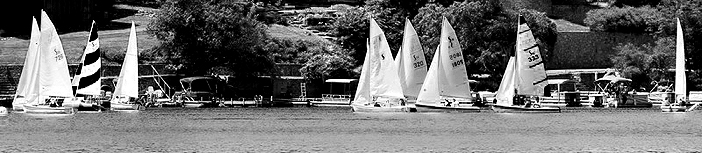 0816 yacht races panorama bw sized