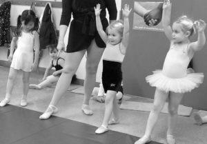 0815 preschool dance at the mat