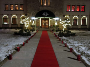 Attendees walked the red carpet into the Clubhouse. Photo by Lisa Phlegar